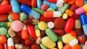 imagem que mostra vários tipos de medicamentos